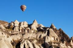 explore-the-unreal-geography-of-cappadocia-in-turkey